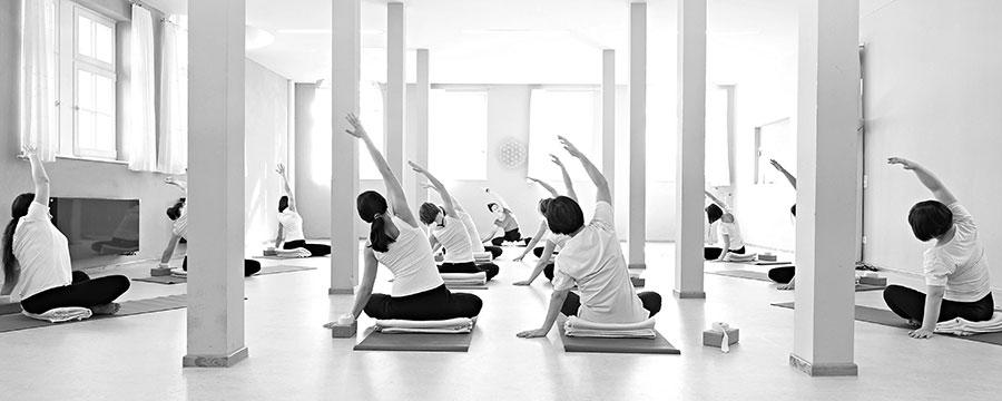 In den Kursbeschreibungen findest Du die Inhalte der Kurse für Entspannung und Stressprävention